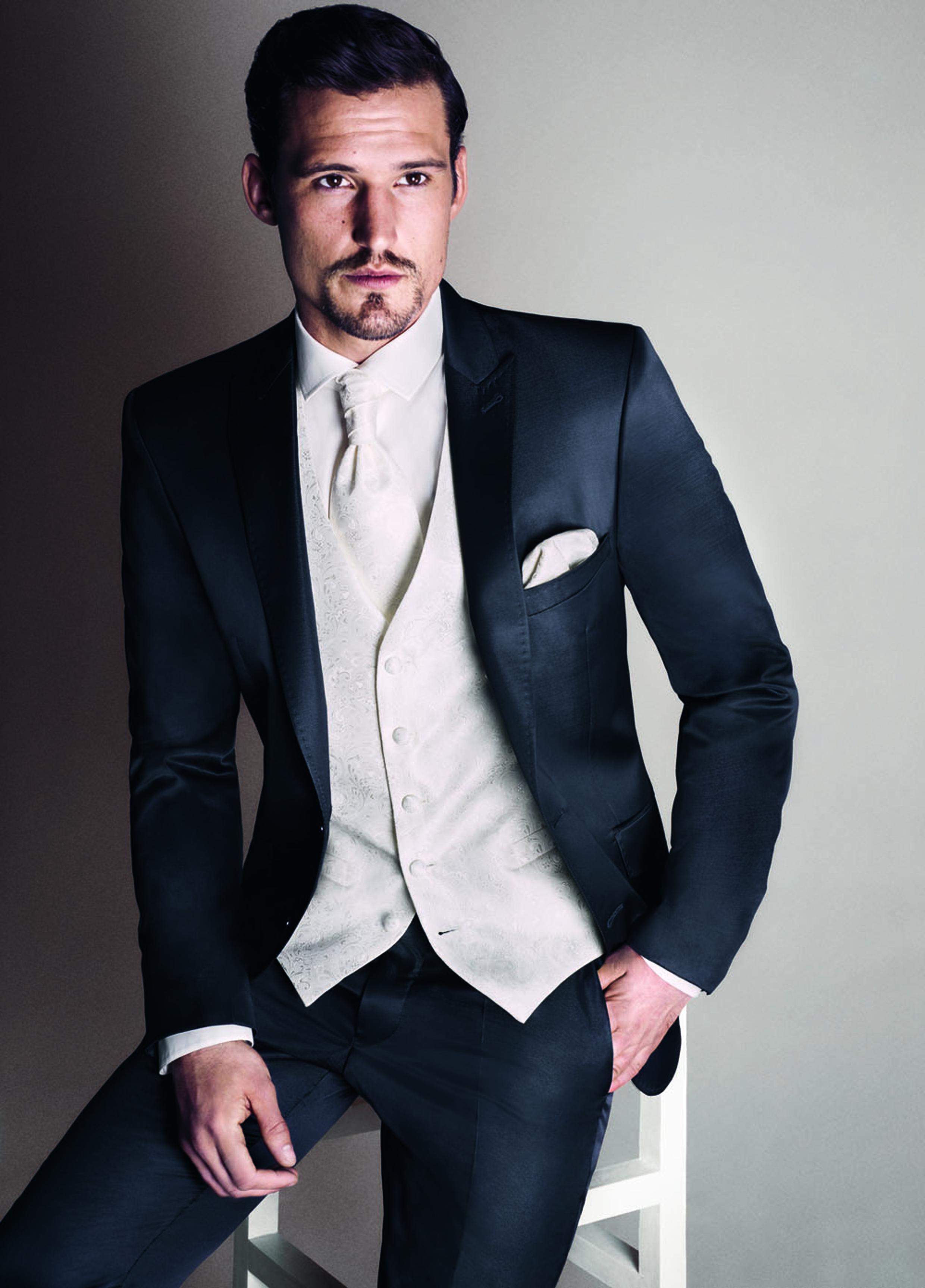 Mattitude costumes -mariage-homme-provins-melun ... Brad Pitt